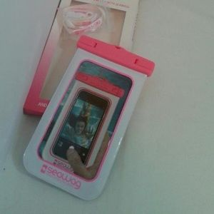 Seawag IPX8 waterproof case pink and white